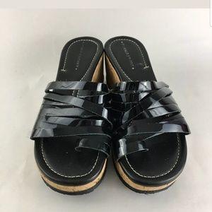 NIB Donald J Pliner sandals in ladies size 8.5M.